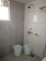 12NBU00200: Bathroom 2
