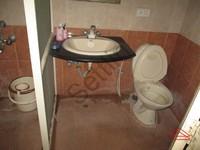 10NBU00373: Bathroom 2