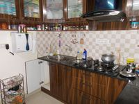 13M5U00549: Kitchen 1