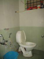 13J1U00240: Bathroom 1