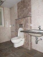 14NBU00247: Bathroom 3