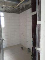 13J1U00099: Bathroom 1
