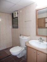 14NBU00327: Bathroom 3