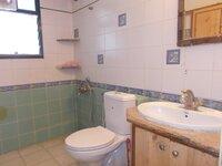 14NBU00327: Bathroom 2