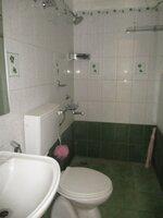 15F2U00159: Bathroom 1