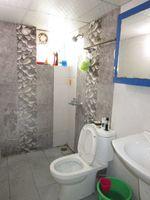 13J6U00346: Bathroom 1