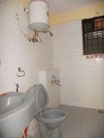 13M5U00751: Bathroom 1