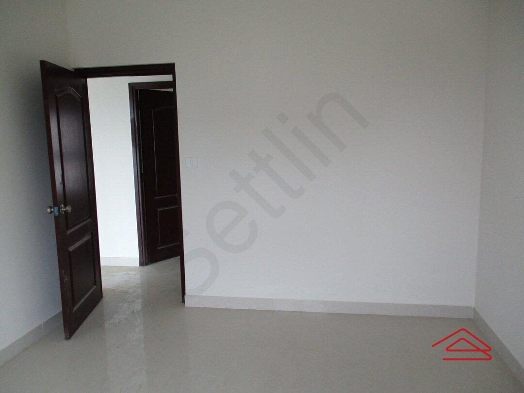 15S9U00326: Bedroom 1