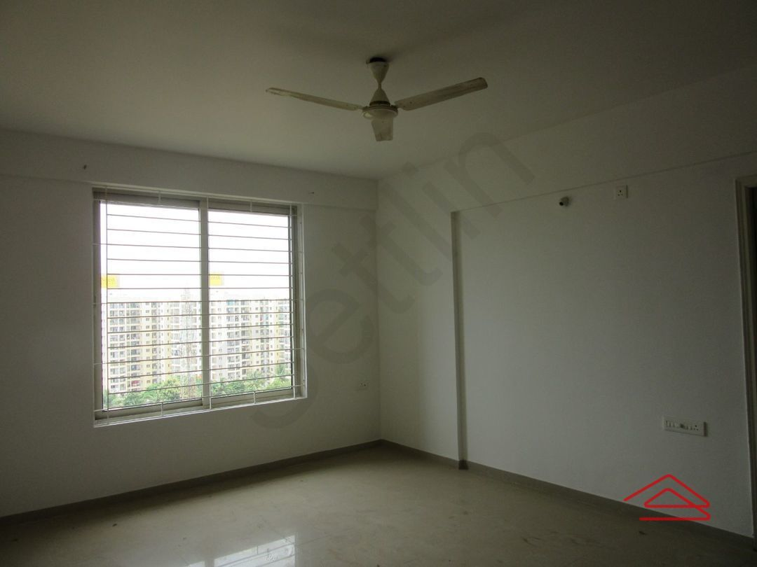 13J7U00033: Bedroom 1