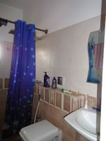 12NBU00233: Bathroom 4