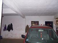 12J1U00226: parking 1
