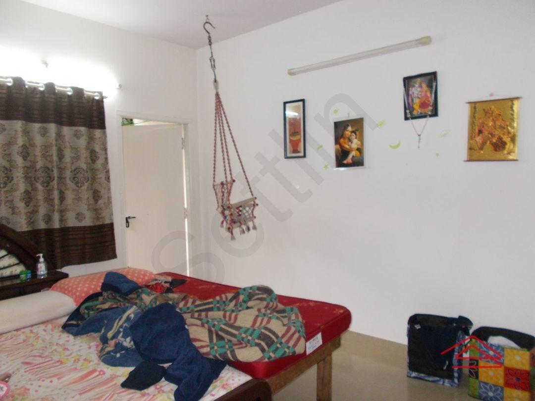13F2U00173: Bedroom 1