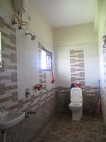 15J7U00620: bathroom 1