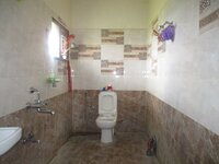 15J7U00620: bathroom 4