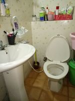 12J6U00038: Bathroom 1