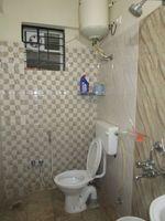 13J7U00218: Bathroom 2