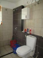 12OAU00041: Bathroom 1