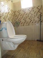 10A4U00224: Bathroom 1