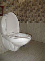 10A4U00224: Bathroom 2