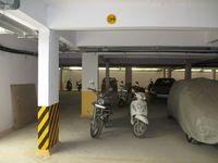 10A4U00224: Parking