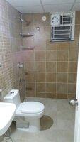 15J1U00061: Bathroom 2
