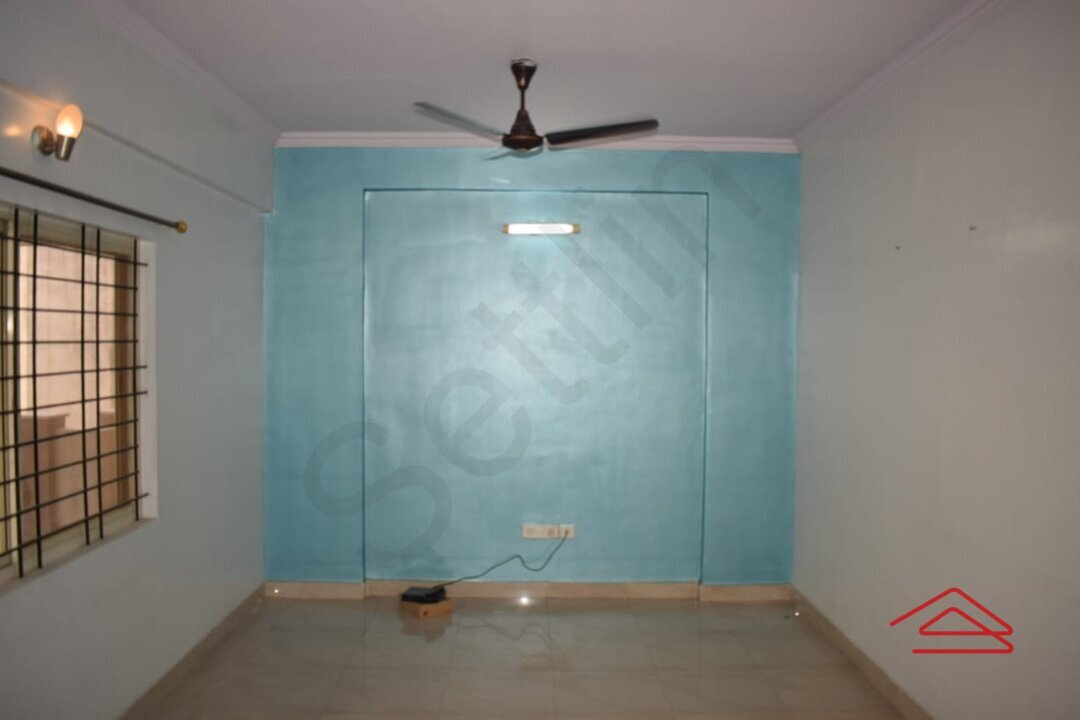 15A4U00252: Bedroom 1