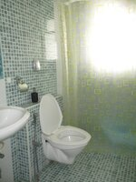 15OAU00043: Bathroom 1