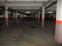 10J6U00223: Parking