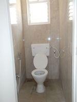13J6U00533: Bathroom 3