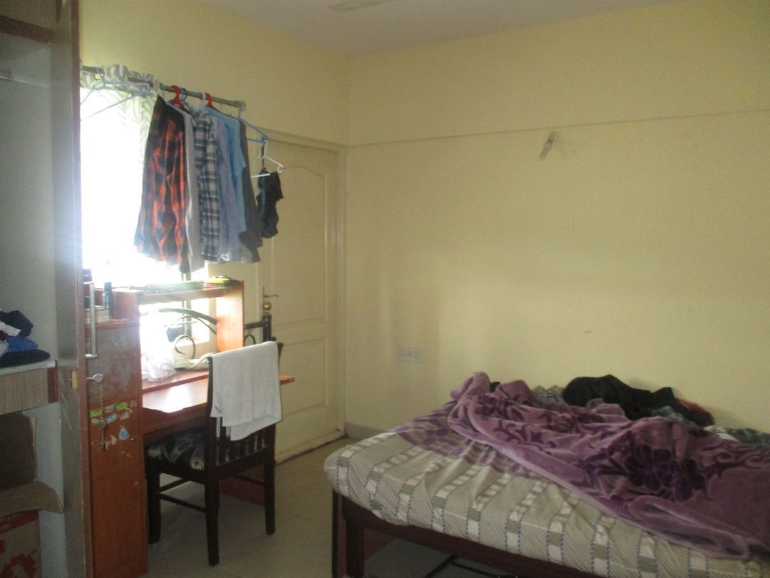 10A8U00303: Bedroom 1