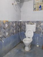 13J6U00169: Bathroom 1