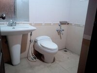 15F2U00063: Bathroom 1