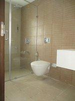 14F2U00112: Bathroom 4