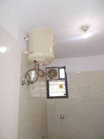 13M3U00324: Bathroom 2