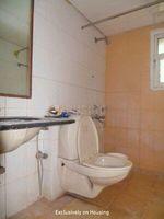 12S9U00006: Bathroom 2