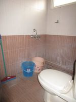 13J6U00396: Bathroom 2