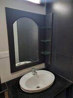 15M3U00198: Bathroom 3