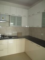 12M5U00075: Kitchen 1