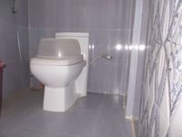 12A8U00116: Bathroom 1