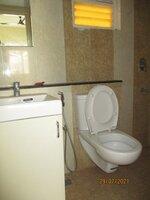 15J7U00538: Bathroom 2