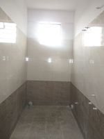 13M5U00190: Bathroom 2