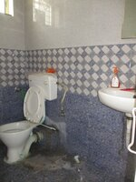 15J7U00153: Bathroom 1