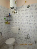 15A4U00370: Bathroom 1