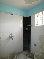 Sub Unit 15F2U00369: bathrooms 1