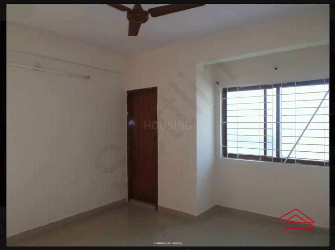12NBU00101: Bedroom 1