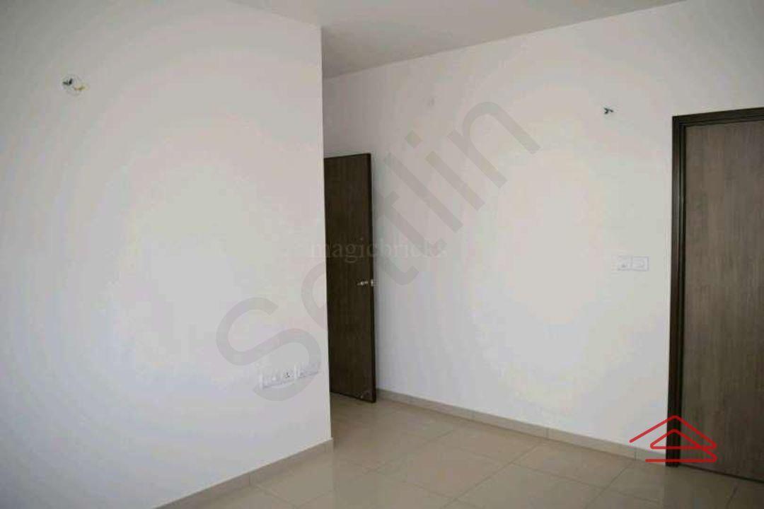 13M5U00338: Bedroom 1