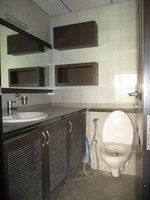 14J1U00295: Bathroom 1