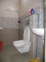 15F2U00191: Bathroom 2