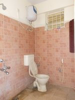 14J1U00424: Bathroom 2