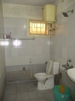 14DCU00206: Bathroom 2